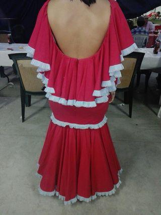 traje de flamenca rojo ,dos puestas