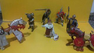 Figuras medievales PVC