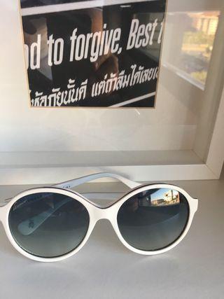 8d9bb701c1 Gafas de sol pasta de segunda mano en Madrid en WALLAPOP