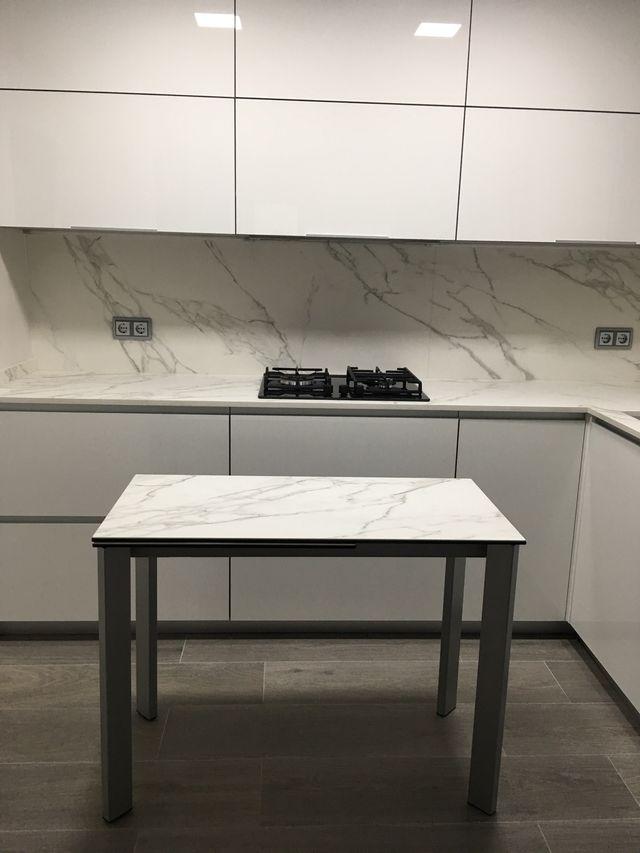 Mesa de cocina Cancio de Neolith de segunda mano por 500 € en Mira ...