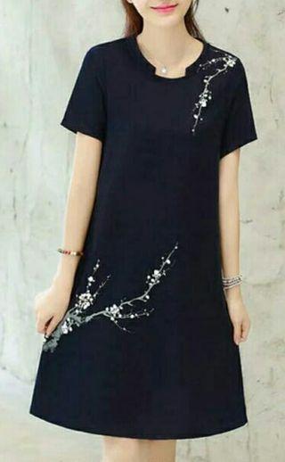 vestido nuevo en color azul oscuro