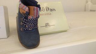 botas de niño azul marino talla 24