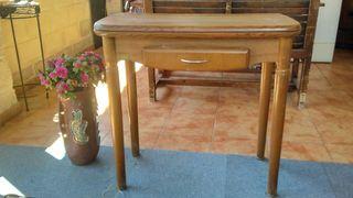 Mesa cocina..libro..