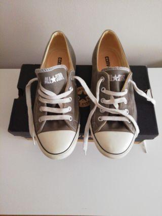 Zapatillas Converse mujer.
