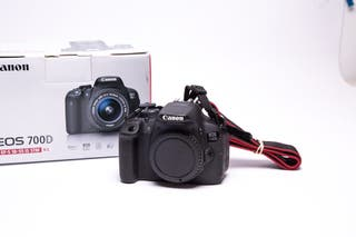 Canon Eos 700D + 18-55mm + Grip