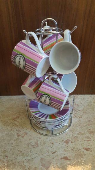 juego de café y platos ( tonos morados).