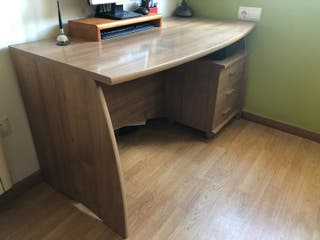 mesa oficina escritorio y silla