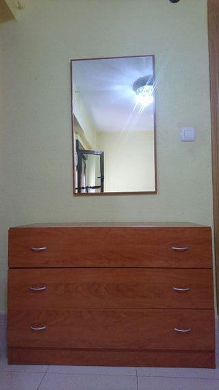 Cómoda cajonera espejo dormitorio