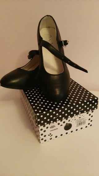 bf36833e Zapatos flamenco para niña de segunda mano en WALLAPOP
