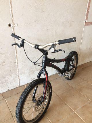 Bici de trial Monty
