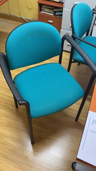 Juego de cuatro sillas de oficina