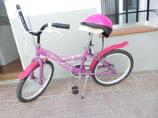 Bicicleta y casco