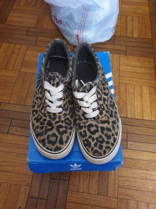 Playeras leopardo
