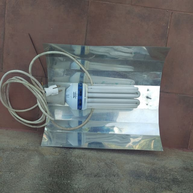 Agrolite CFL 150W para Crecimiento