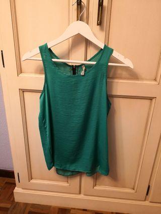 blusa verde de stradivarius