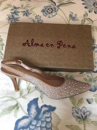16bc37a7cff8 Zapatos Alma en Pena de segunda mano en Madrid en WALLAPOP