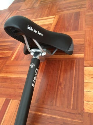 Sillín y tija de bicicleta
