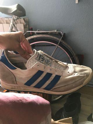 Zapatillas Adidas Blancas y Azules
