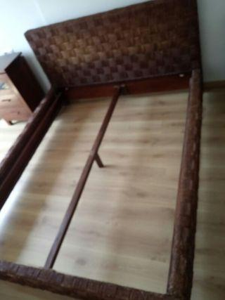 cama estructura de ratan