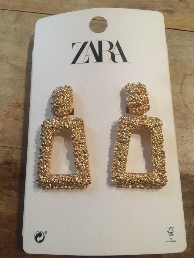 bastante agradable 77bdb 847e6 Pendientes Zara de segunda mano por 8 € en Madrid en WALLAPOP