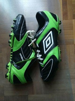 botas fútbol umbro talla 46