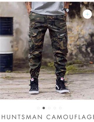 f27e45fb72 Militares Mano Pantalones Madrid Wallapop En De Segunda LR5Aj4