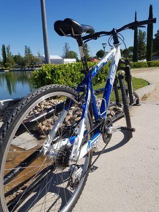 Bicicleta MTB Scott +Regalos