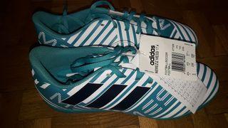 botas de fútbol nuevas
