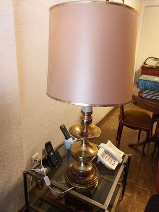 vendo lampara de mesa antigua grande