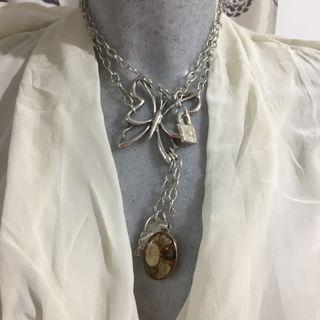 Uno de 50 collar