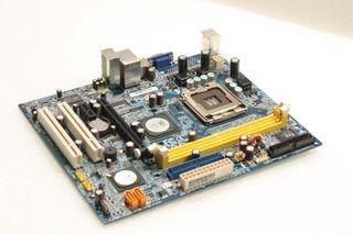 Placa Base Gigabyte GA-T671MG Socket 775 RAM DDR2