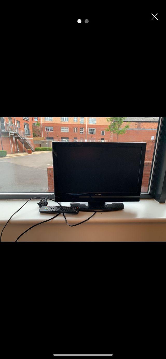 "Luxor LUX-19-822-COB 19"" HD ready LCD TV"
