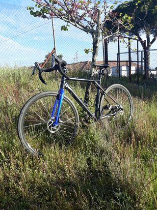 bicicleta gravel.