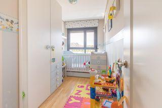 Habitación infantil, cuna convertible