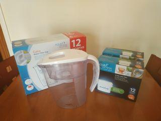 Jarra de agua y packs de filtros