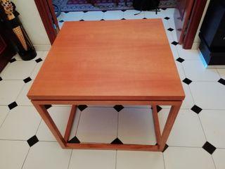 Mesa de madera nueva