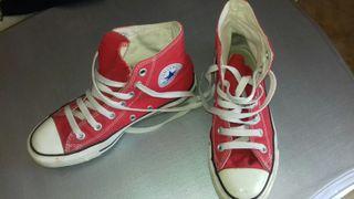 Zapatillas rojas Converse All Star. Talla 36.