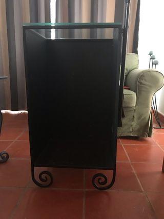 Mueble para almacenar leña