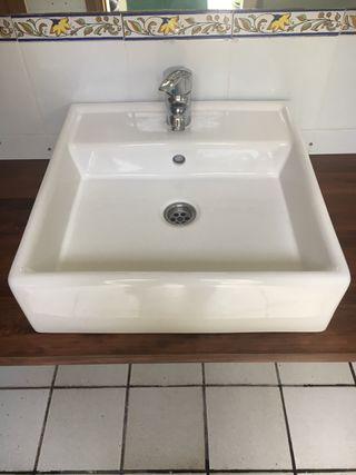 Lavabo + encimera + estanterías