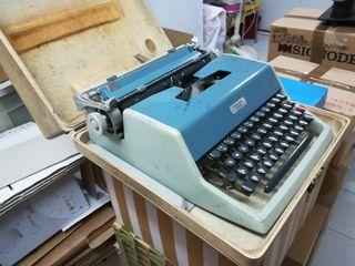 Màquina escribir OLIVETI ESTUDIO