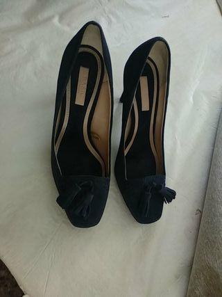 zapatos azul oscuro