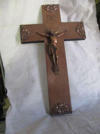 Crucifijo madera y metal