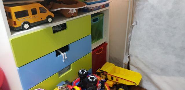 Conjunto de muebles Infantil