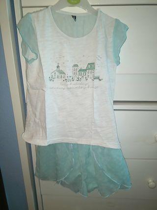 conjunto camiseta y falda pantalón. talla 5 años