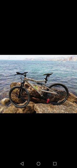 Bicicleta MTB Rock rider 6.3