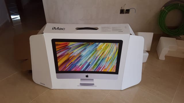 "iMac 21'5"", pantalla retina 4K,"
