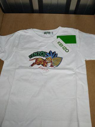 Camiseta para 4-5-6 años aunque en Kenzo Kids mar