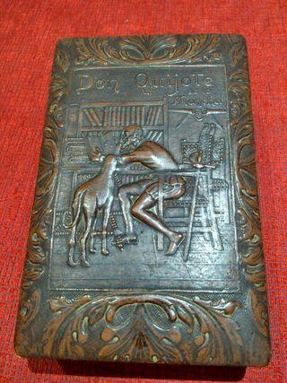 Caja de Puro Don Quijote en relieve