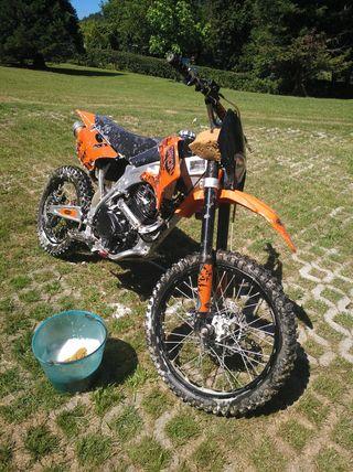 se vende moto de Cross de 250cc 4 tiempos