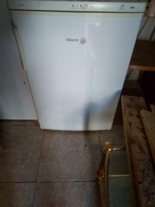 congelador de cuatro cajones seminuevo